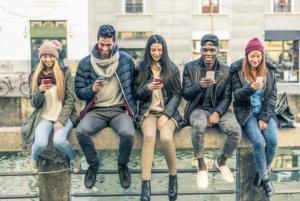 Pet B2B ottobre comunicazione ai giovani